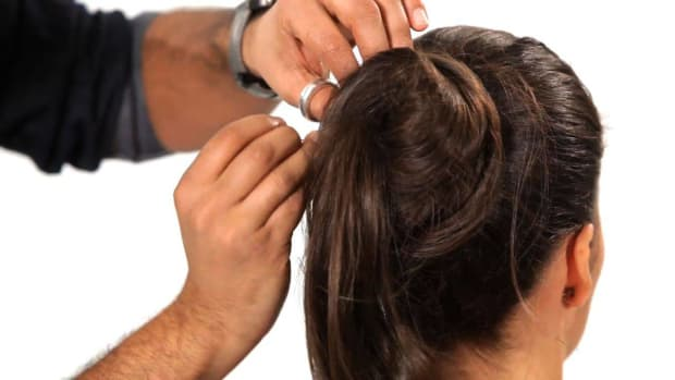 H. How to Do a Ponytail into a Top Knot Promo Image