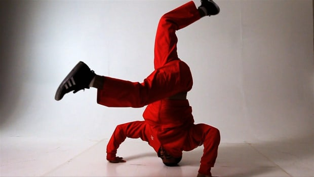 Q. 4 Head Spin Tips for Break Dancers Promo Image
