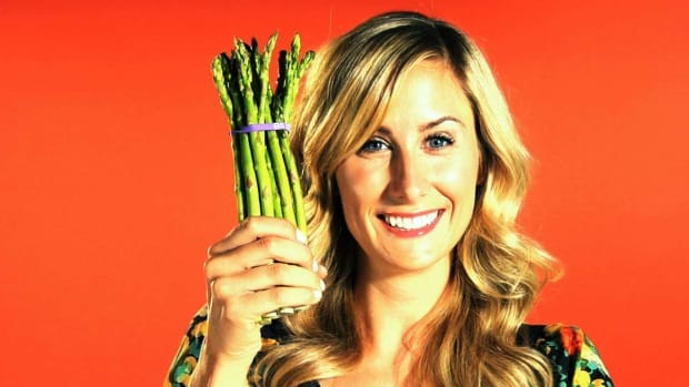 R. Quick Tips: How to Keep Asparagus Fresh Promo Image