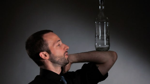 H. How to Do Behind the Back Forearm Stall in Flair Bartending Promo Image