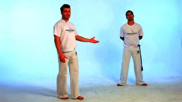 N. How to Do the Rabo de Arraia in Capoeira Promo Image