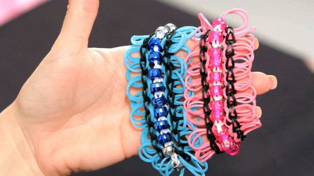 J. How to Make a Jazzy Jazz Rainbow Loom Bracelet Promo Image