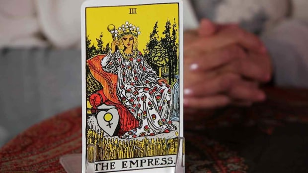 T. How to Read the Empress Tarot Card Promo Image