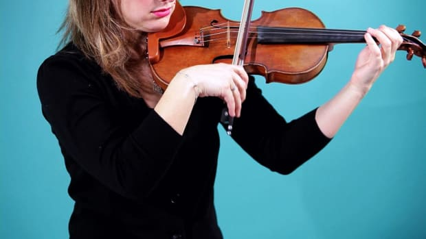 T. How to Do a Right Elbow Swing on Violin Promo Image