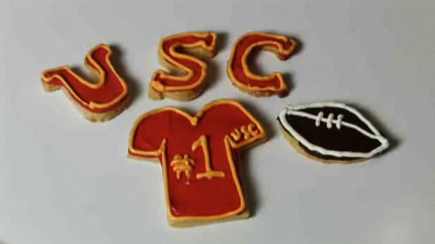 H. How to Decorate Cookies for a University of Southern California Game Promo Image