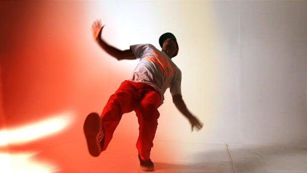 ZH. How to Do Swipes in Break Dancing Promo Image