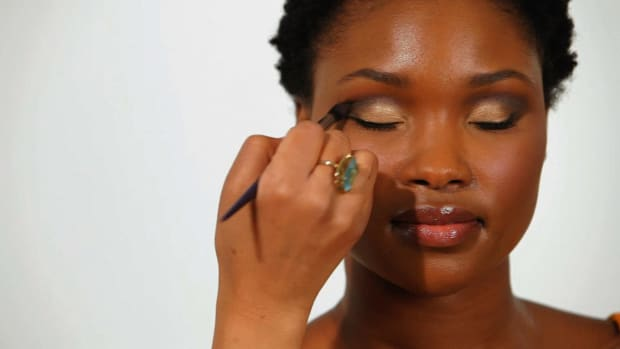 M. How to Apply Eye Shadow to Eye Creases for Black Women Promo Image