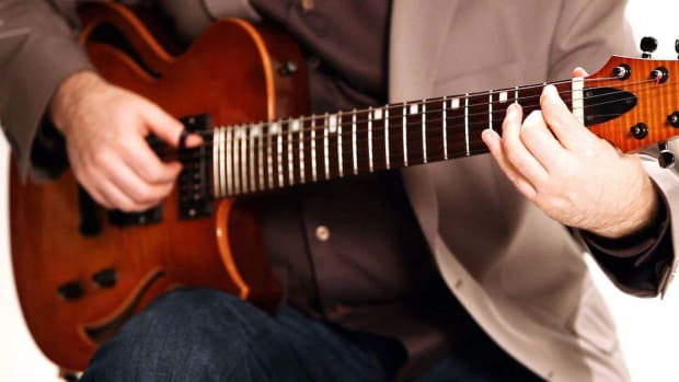 ZC. How to Read Slash Chord Notation in Fingerstyle Guitar Promo Image