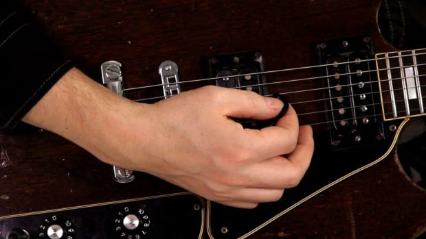ZI. How to Hold a Guitar Pick Correctly Promo Image