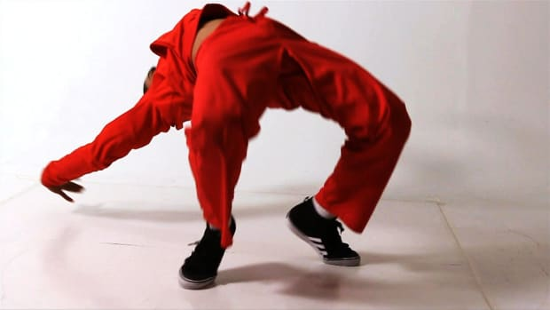 ZG. How to Do a Kip Up in Break Dancing Promo Image