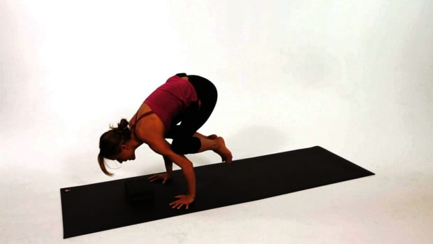R. How to Do a Crow Yoga Pose (Bakasana) Promo Image