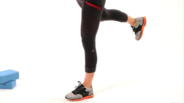 ZC. How to Do a Single Leg T-Squat Promo Image