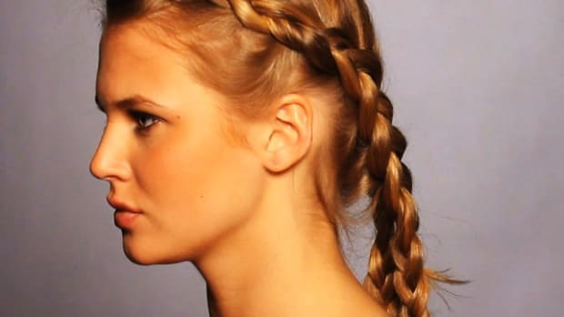 M. How to Do a Fishtail French Braid Promo Image