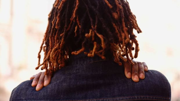 E. How to Get Dreads with the Brush Rubbing Method Promo Image
