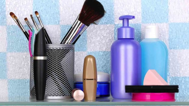 ZW. Why Aren't More Beauty Products Organic? Promo Image