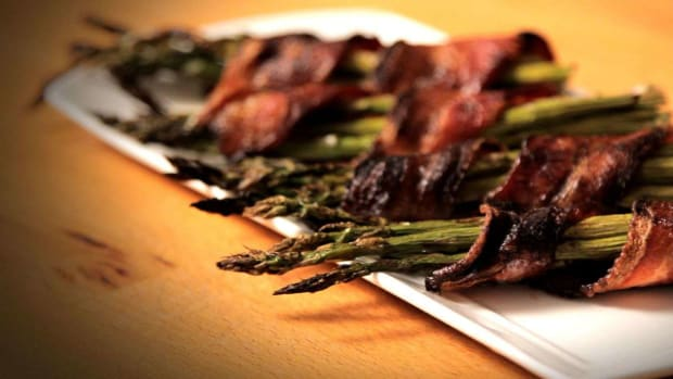 N. How to Make Bacon-Wrapped Asparagus Promo Image