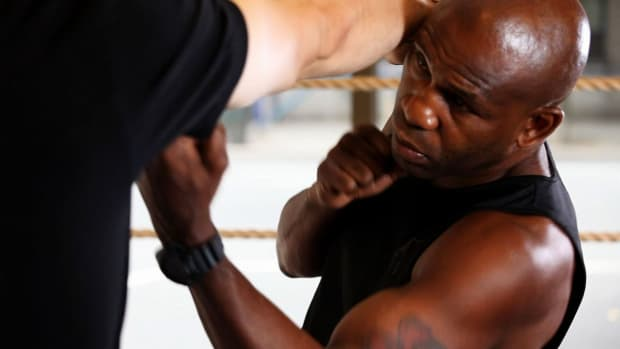 N. How to Throw a Left Uppercut in Boxing Promo Image