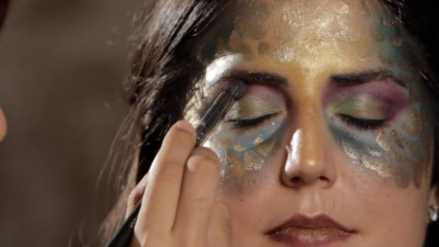 T. How to Do Mermaid Eye Makeup Promo Image