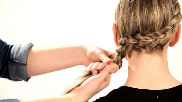 H. How to Do a Side Dutch Braid Promo Image