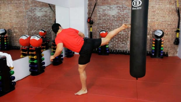 L. How to Do a Kickboxing Back Kick Promo Image