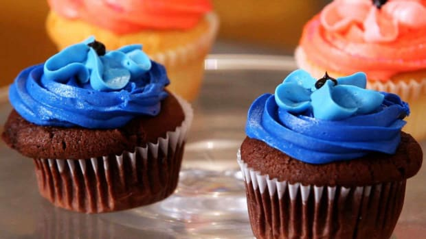 I. How to Make Baby Boy Cupcakes for a Shower Promo Image