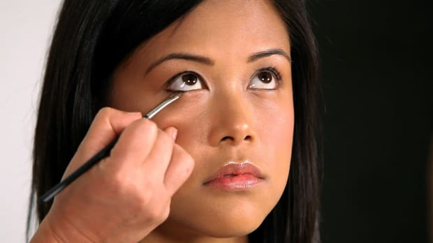 M. How to Apply Eyeliner to Asian Eyes Promo Image