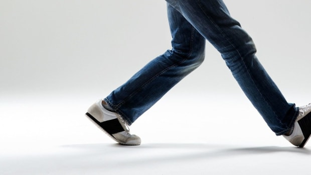 J. How to Do Krumping Footwork Promo Image