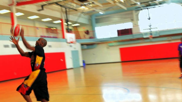 ZS. How to Do a Give & Go Play Basketball Move Promo Image