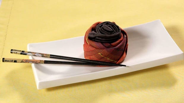 D. How to Fold 2 Napkins into a Sushi Roll Promo Image