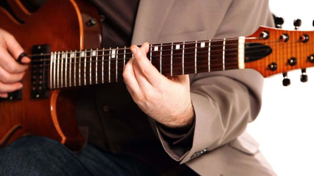 ZB. How to Play Walking Bass Lines in Fingerstyle Guitar Promo Image