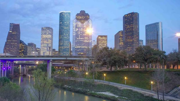 A. Top 5 Neighborhoods to Visit in Houston Promo Image