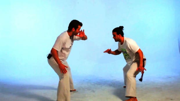 T. How to Do the Gancho in Capoeira Promo Image