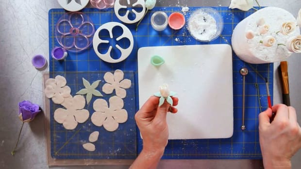 ZG. How to Add Third Layer of Petals to Rose Sugar Paste Flower Promo Image