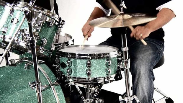 ZR. How to Play a Single Stroke Four on the Drums Promo Image