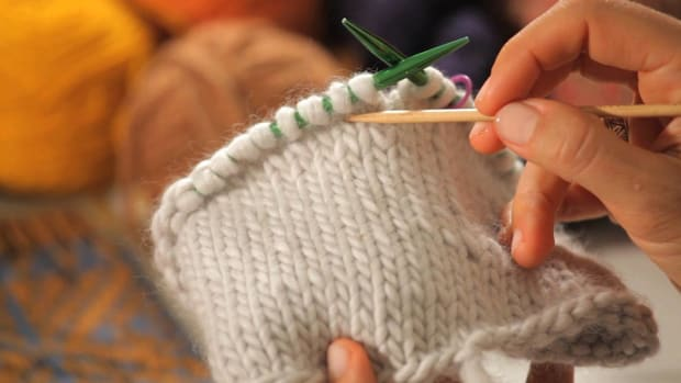 ZE. How to Count Rows in Circular Knitting Promo Image
