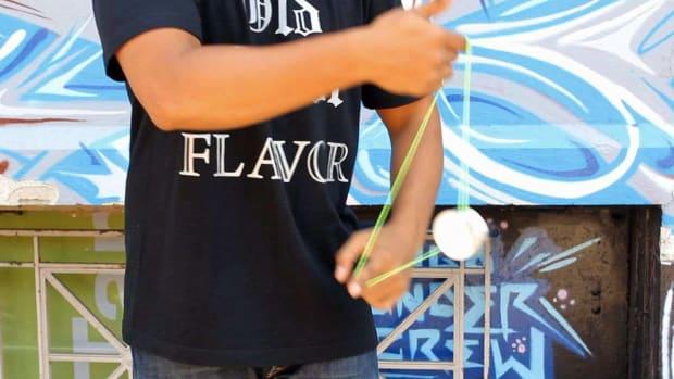 N. How to Do the Barrel Rolls Yo-Yo Trick Promo Image