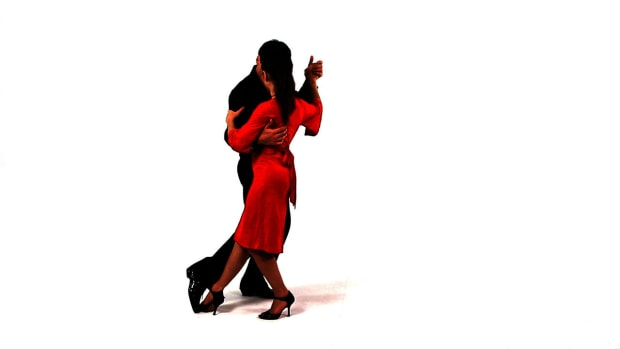 Q. How to Do the Drag aka El Arrastre & La Barrida in Tango Promo Image