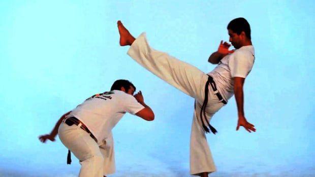J. How to Do the Bancao in Capoeira Promo Image