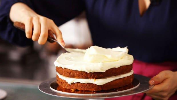 E. How to Ice a Cake with Cream Cheese Frosting Promo Image