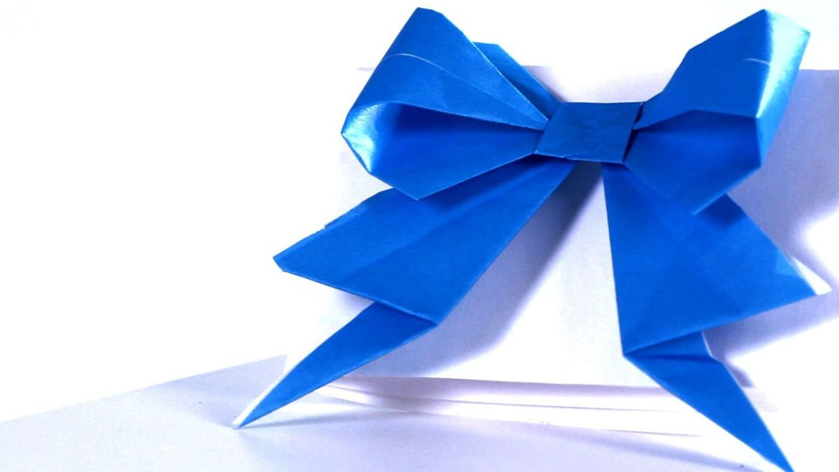 HOW TO MAKE AN ORIGAMI PAPER BOW. — Gathering Beauty | 675x1200