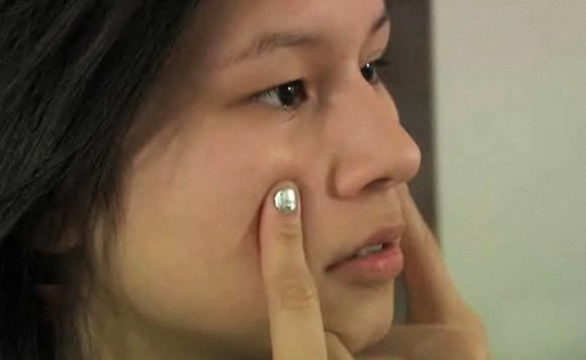 how to relieve a stuffy nose with acupressure - howcast | the best