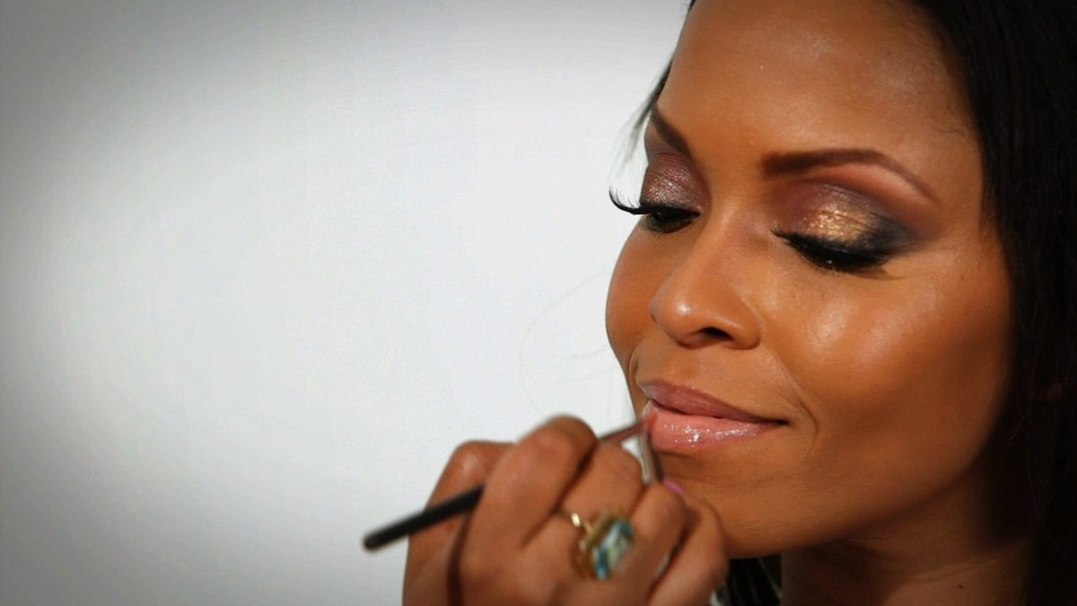 9 makeup tips for black women - howcast | the best how-to videos