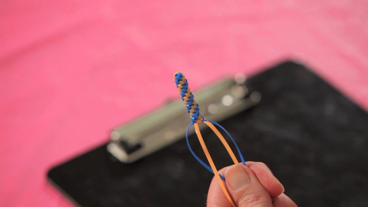 How To Make A Barrel Stitch Friendship Bracelet With Lanyard