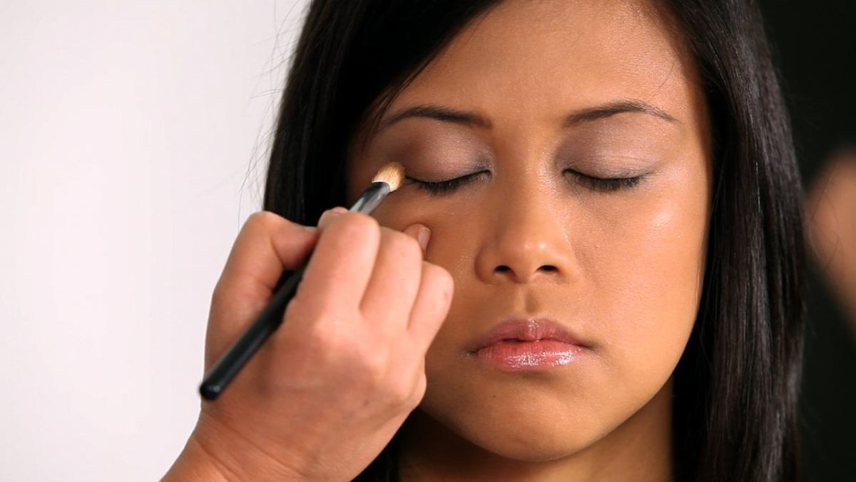 2 Asian Monolid Makeup Tricks Howcast The Best How To Videos