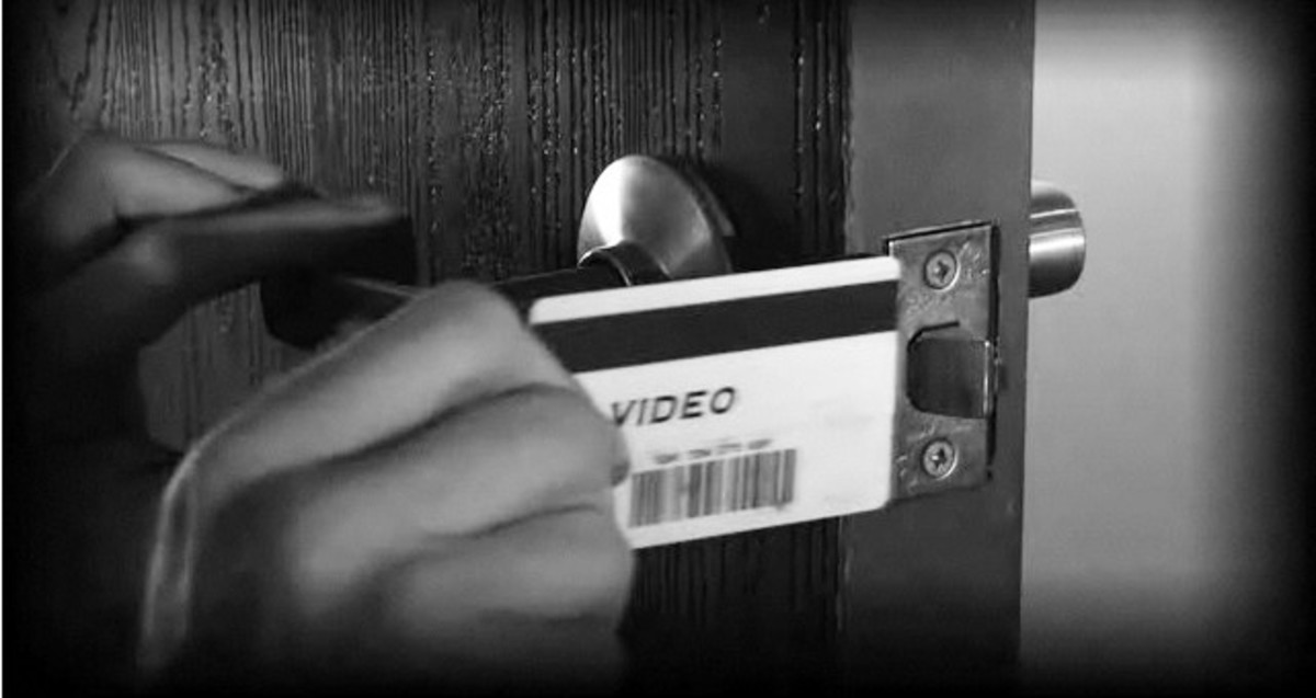 How to Get into Your House with a Credit Card If You're Locked Out - Howcast