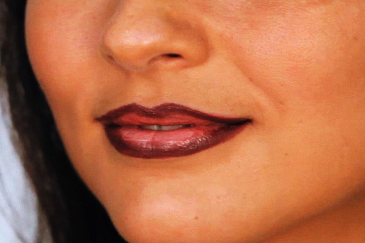 How to Do Chola Lip Makeup - Howcast