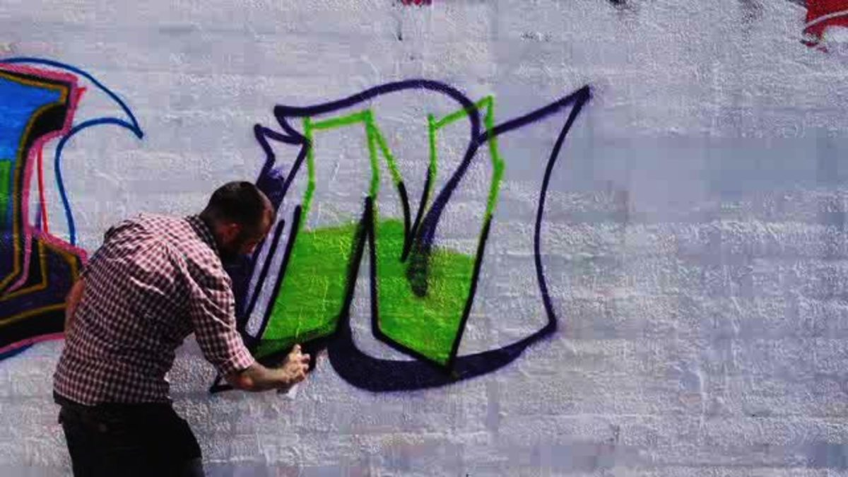 How To Draw An N In Graffiti Howcast The Best How To Videos